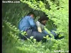 แม่เย็ดเพื่อนเล่นสงกรานต์กันพากันแอบมาเย็ดในป่าแอบถ่ายคลิปโป๊แล้วเอามาถึงกลุ่มไลน์18+ซะเลยฮาๆ