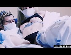 coronavirus porn พยาบาลสุดเเซ่บทำงานดูเเลคนไข้ติดเชื้อโควิดมาทั้งวันพอได้เวลาพักเลยเข้าไปเย็ดกับหมอเเม่งสะเลย ทำงานมามันเครียดๆต้องปลดปล่อยด้วยการเย็ด